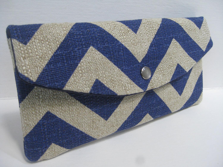 blue-chevron-clutch